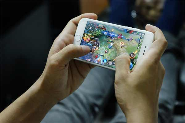 How Can Your Hack Your Favorite Mobile Games