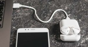 Overview on Headphones That Charge The Phone